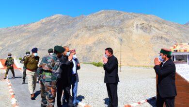 Photo of मुख्यमंत्री ने आईटीबीपी, डोगरा स्काउट्स तथा 15वीं बिहार रेजिमेंट के अधिकारियों की थपथपाई पीठ